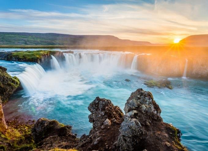 Islanda da scoprire: Calcio, turismo e… squalo marcio!