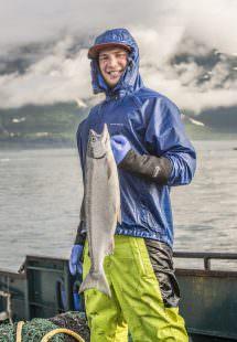 Pescatore salmoni selvaggi in Alaska