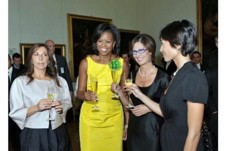 G8 L'Aquila 2009. Michelle Obama brinda con bollicine made in Italy