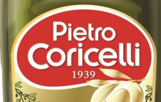 Pietro Coricelli olio extra vergine sotto la Tour Eiffel