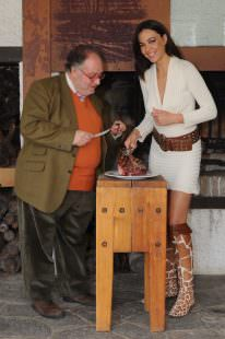 Edoardo Raspelli con Iuliana Ierugan