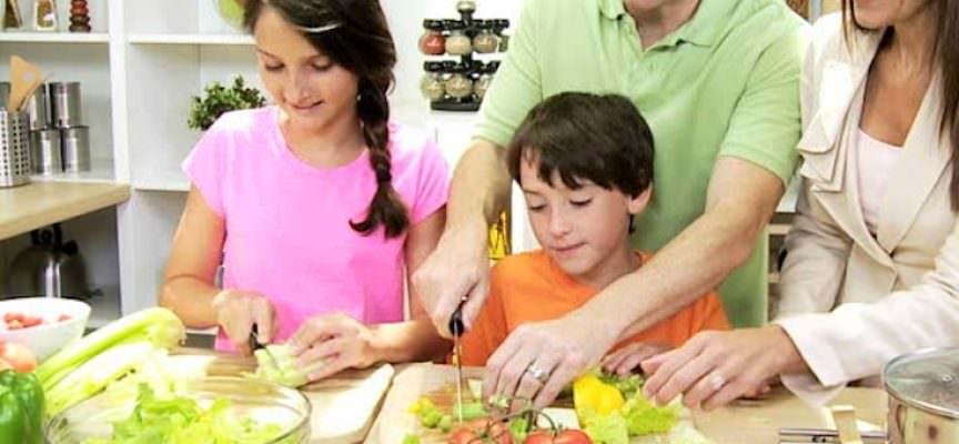 Cucinare con i bambini il pranzo di natale una sana - Cucinare con i bambini ...