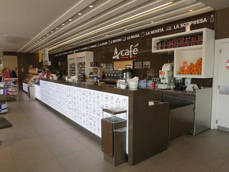 Acaffè a Cadorna: colazione gratis per tutti …