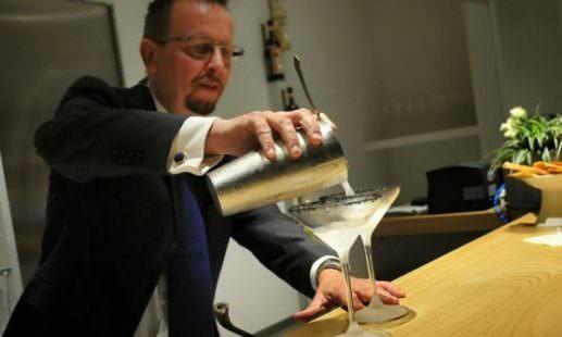 Identità Cocktail è una delle tante novità 2017 a Identità Milano. Tutto quello che occorre sapere per gustare uno splendido cocktail, nella nuova sezione coordinata da Fabiano Omodeo, nella foto