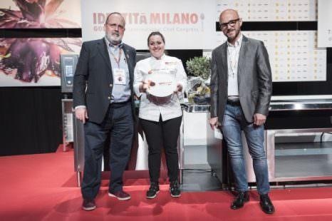 Paolo Marchi, Caterina Ceraudo e Francesco Coppini al momento della premiazione