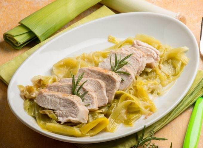 Ricetta pollo al cartoccio con porri e coriandolo