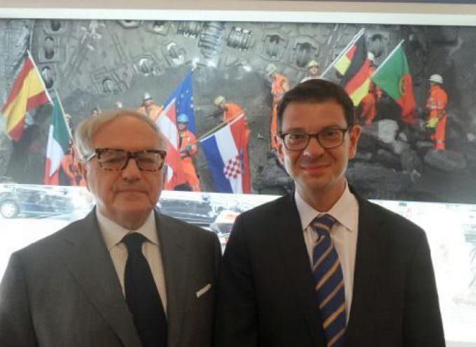 Svizzera: Forte il legame rossocrociato, di Achille Colombo Clerici