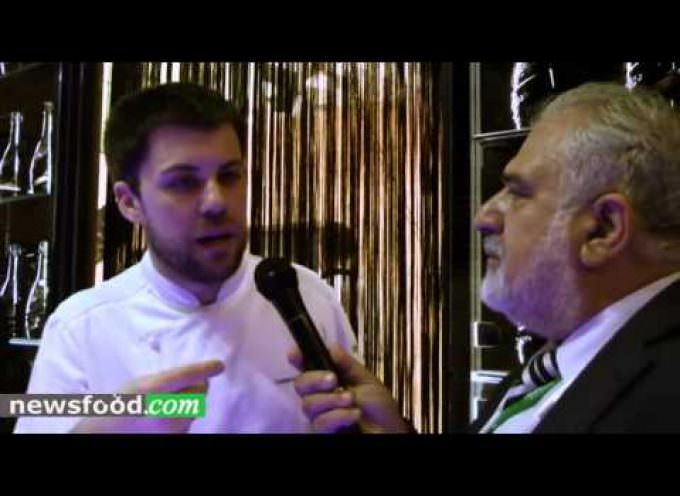Lorenzo Cogo a Vinitaly per festeggiare i 130 anni di Mionetto (Video)
