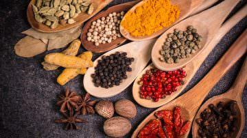 Cucinare con le spezie: più colore, sapore, vitamine e proprietà benefiche – by Bioimis
