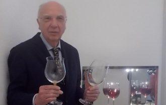 Gira e rigira, la vendemmia di via Montenapoleone con i vini di Oliviero Toscani