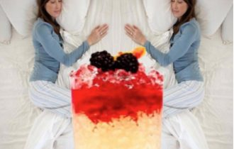 Il cocktail giusto prima di dormire per scegliere la posizione più riposante