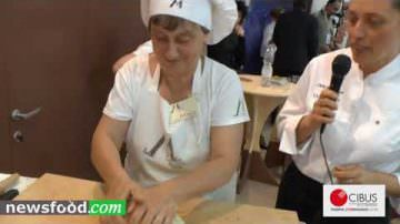 Come fare l'autentica Piadina Romagnola – ricetta originale (Video)