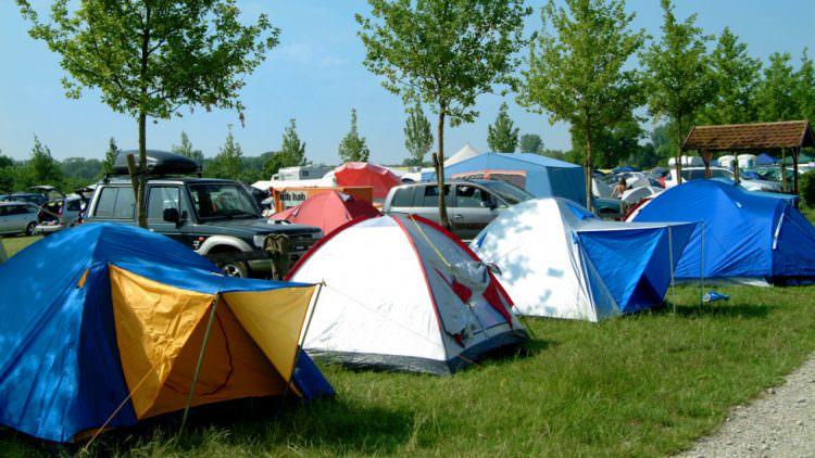 Camping in Italia, breve guida alla vacanza in campeggio