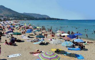 Cefalù, multe di 500 Euro per chi sporca le spiagge