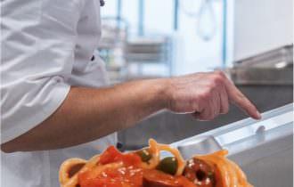 Novità al supermercato: pasta e risotto caldi tra carrello e cassa con VarioCookingCenter