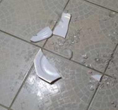 Se un cameriere rompe un piatto, un bicchiere… chi paga?