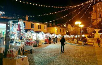 """Con i caratteristici Mercatini Greccio diventa il """"Borgo del Natale"""""""
