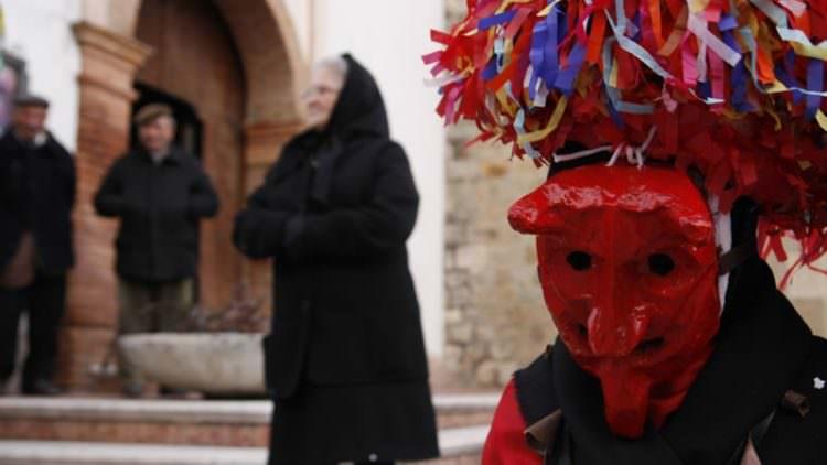 Ad Aliano il Carnevale è all'insegna delle maschere cornute e dei piatti della tradizione