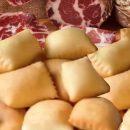 Il vero panino del Po… due fette di pane, semolino o gnocco fritto?
