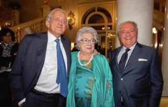 Narine Abgarjan: E DAL CIELO CADDERO TRE MELE – Festivaletteratura Mantova