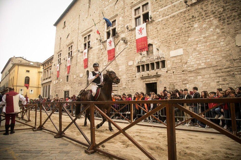 Il Medioevo rivive a Narni (TR) con la Rivincita della Corsa all'Anello – 13/22 set