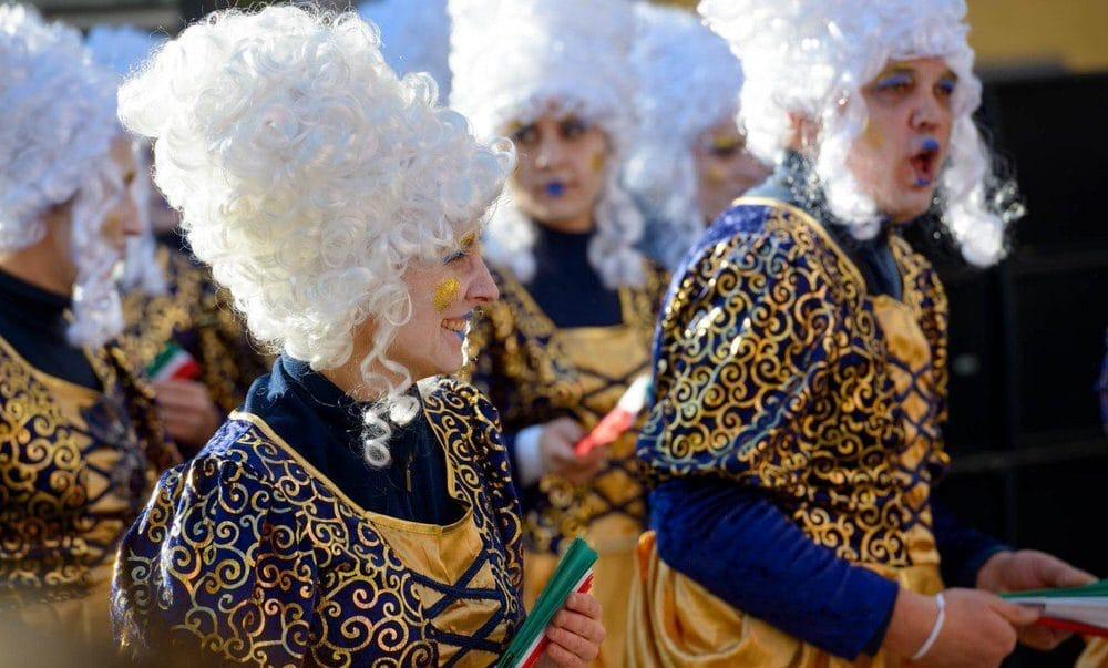 A Borgosesia il Carnevale è una festa travolgente e golosa lunga un mese