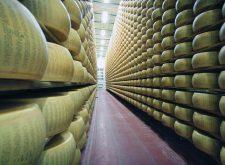 Dazi Usa e Parmigiano Reggiano, marcia indietro di Trump sulla penalizzazione del 25% sui prodotti europei