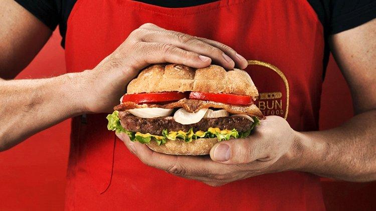 La guerra degli hamburger: McDonald's contro Mac Bun