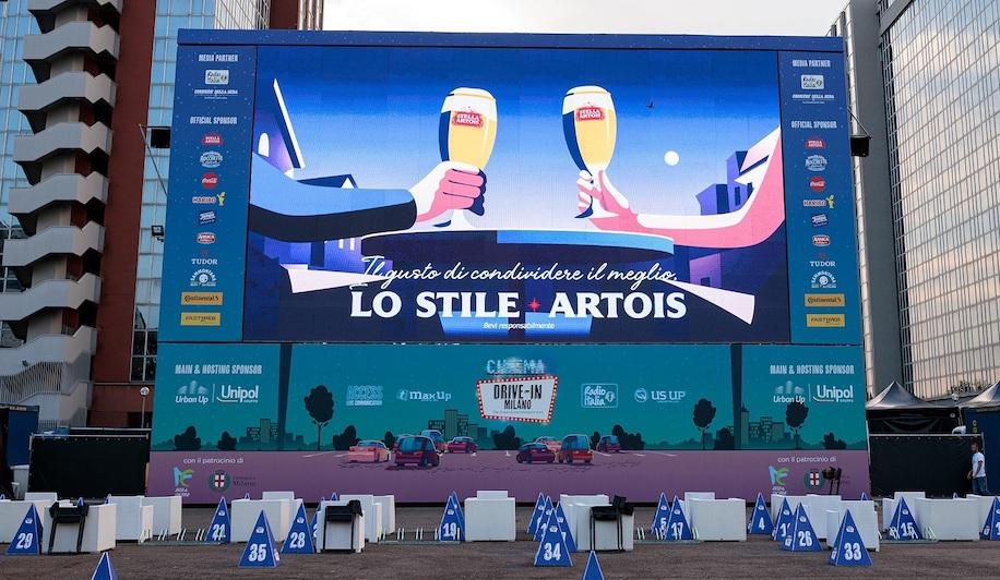Birra Stella Artois e il grande successo del cinema milanese sotto le stelle