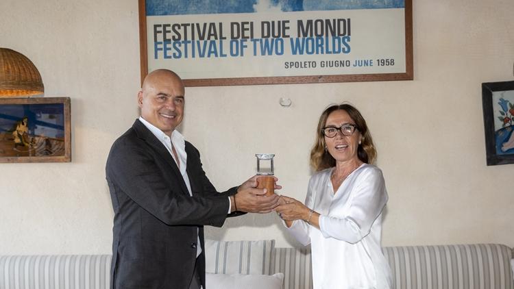 E Zingaretti si affacciò su Spoleto – Premiato al Festival dei Due Mondi