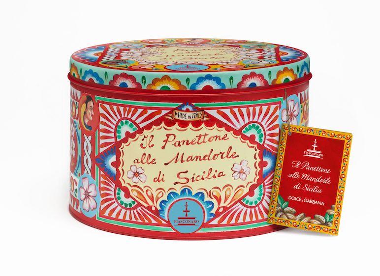 Panettone Fiasconaro alle mandorle, firmato Dolce e Gabbana, in passerella a Milano