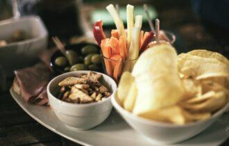 Everli: snack e spuntini sono la vera passione degli italiani, 9 su 10 non rinunciano a un piccolo fuori pasto