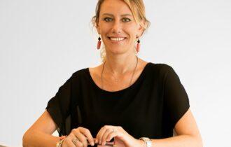 Madama Oliva insegna l'alimentazione nelle scuole primarie con SALTAinBOCCA