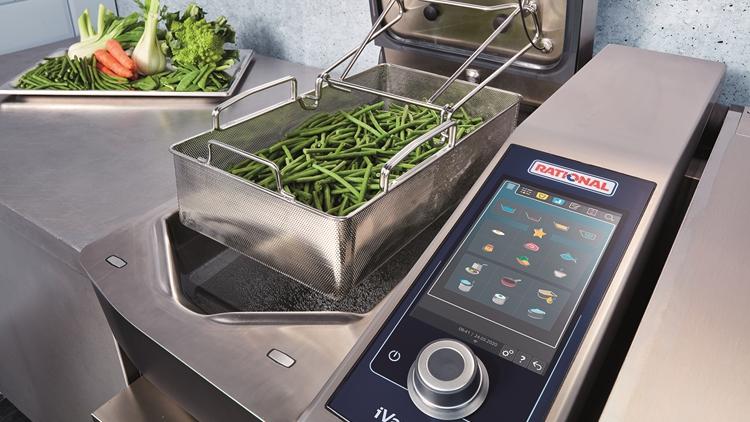 L'ergonomia entra nelle cucine professionali con Rational