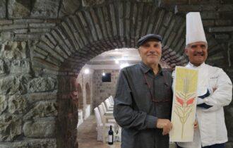 Leon Marino, artista di immagini e parole, nella Cantina di Peppe Zullo