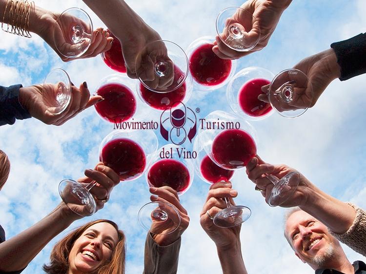 Con Vigneti Aperti parte il calendario 2021 del Movimento Turismo del Vino