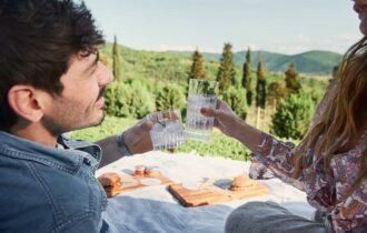 Dalla Toscana a tutta Italia: nasce la Porcobrado Gin Box feat Sabatini Gin, con il miglior panino d'Europa e il London Dry Gin di Cortona