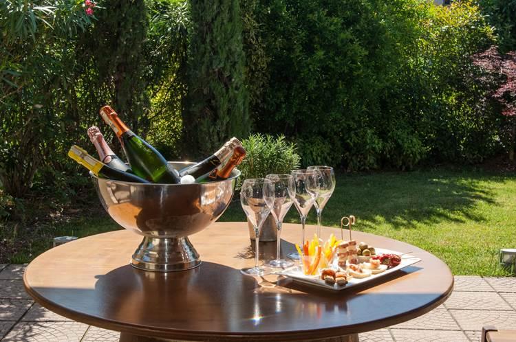 Cantine di Franciacorta – In un unico Wine Store tutti i produttori franciacortini, 1200 etichette per brindare all'estate