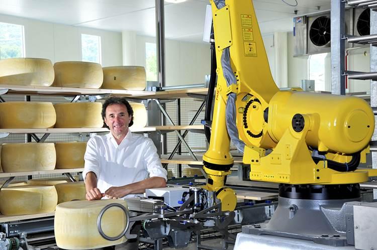 Inaugurato ieri il nuovo magazzino robotizzato Brazzale, i robot esaltano la stagionatura del formaggio