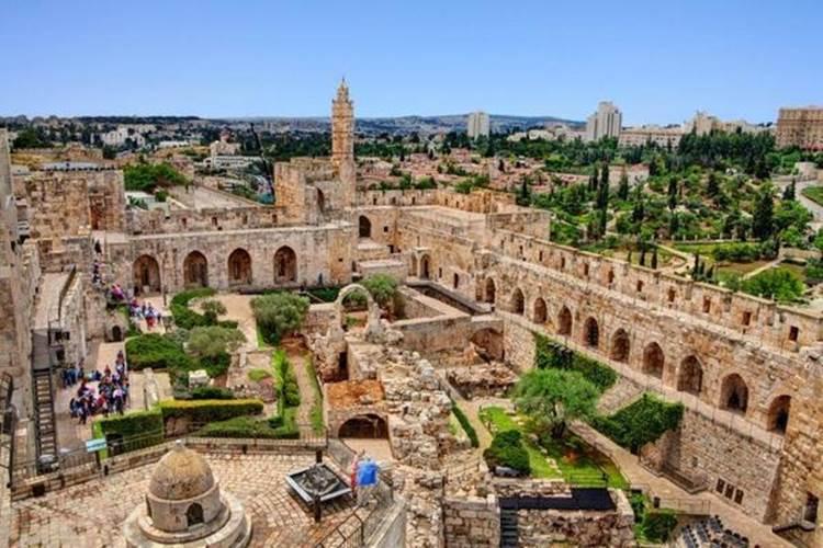 Buone notizie da Israele: niente più mascherine al chiuso