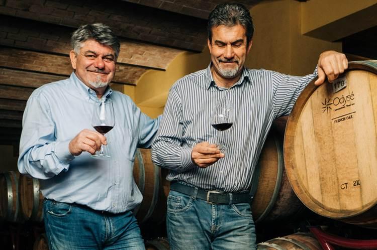 Fattoria Mantellassi conquista il giudizio dell'autorevole James Suckling con 5 delle sue etichette e il prestigioso Decanter World Wine Awards con tre vini rossi e uno bianco
