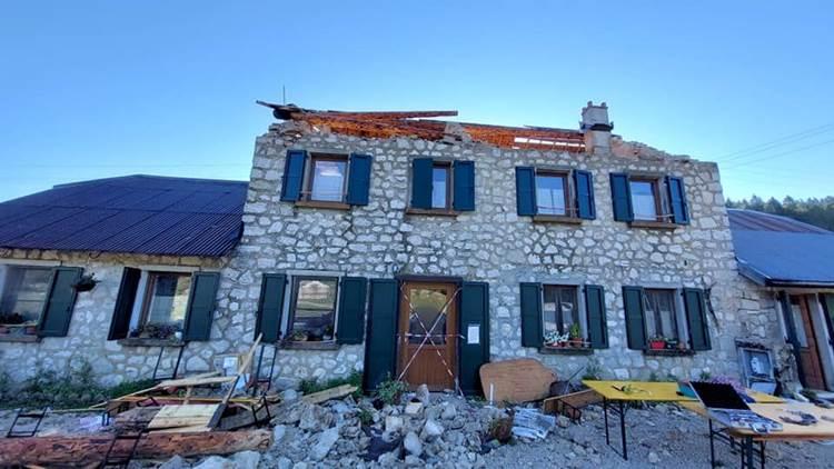 Maltempo distrugge Malga Pian di Granezza, storica produttrice Asiago DOP