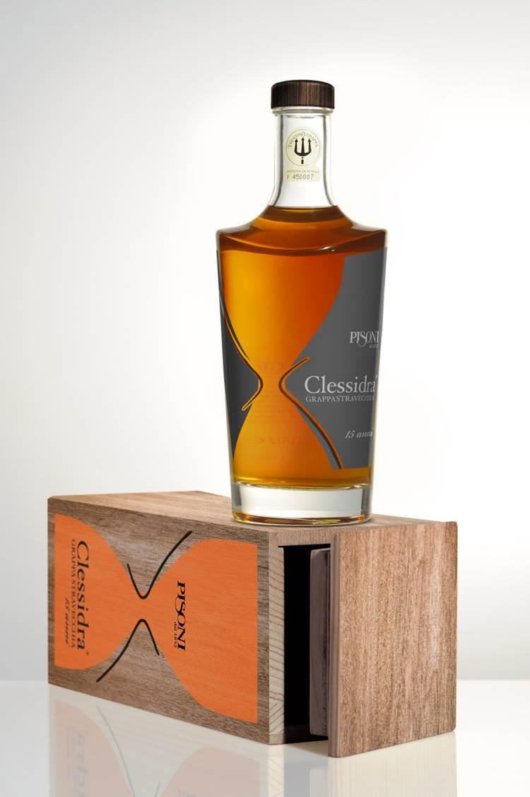 La Distilleria Pisoni presenta la novità Grappa Clessidra® Stravecchia Pisoni 15 anni