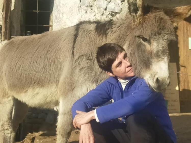 Asini, cavalli, erbe curative e turismo La Pink economy scopre la montagna