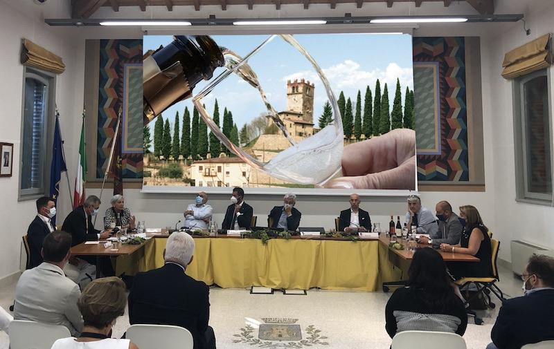 Castelnuovo del Garda: Convegno Challenge World Bubble's Wine Methode Traditional Classic
