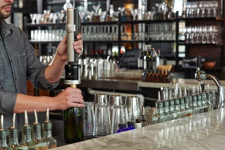 Alimenti: il sistema di conservazione del vino spumante Coravin Sparkling™ a partire dal primo di settembre sarà disponibile anche per il mercato Italiano